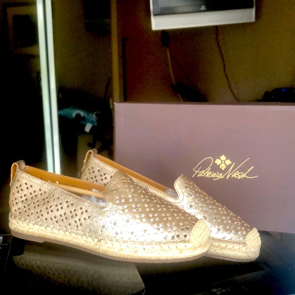 Gold slip on leather shoes